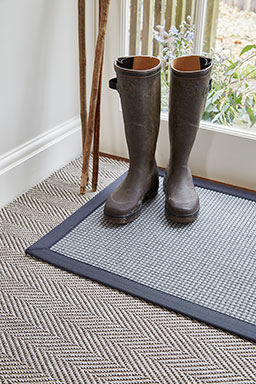 Melville door mat with charcoal binding (Long Island range - LI8003)