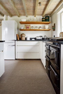Portobello fitted flooring in kitchen (Unnatural Flooring range - UF1025)